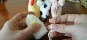 Crochet a rub-a-dub duckie finger puppet