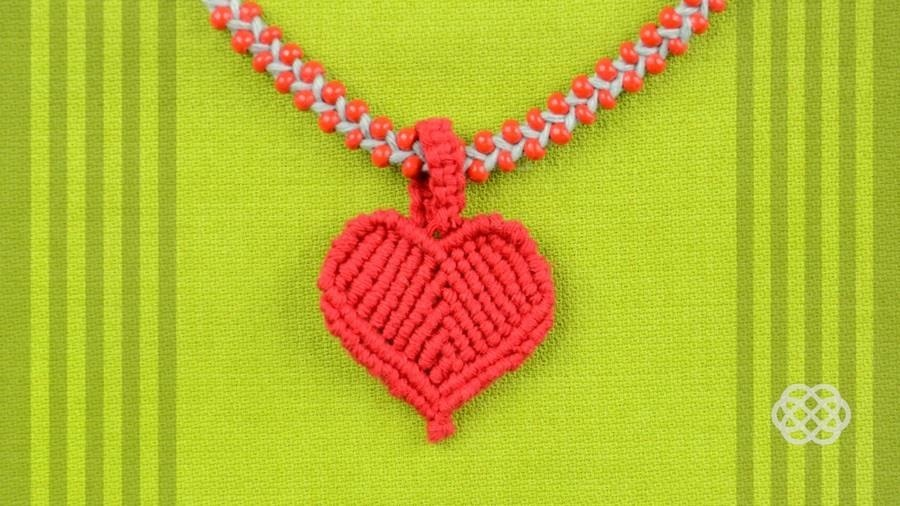 How to Make a Macrame Heart / DIY