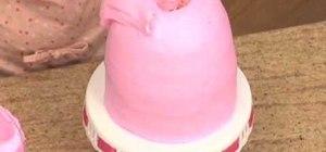 Decoratea princess birthday cake