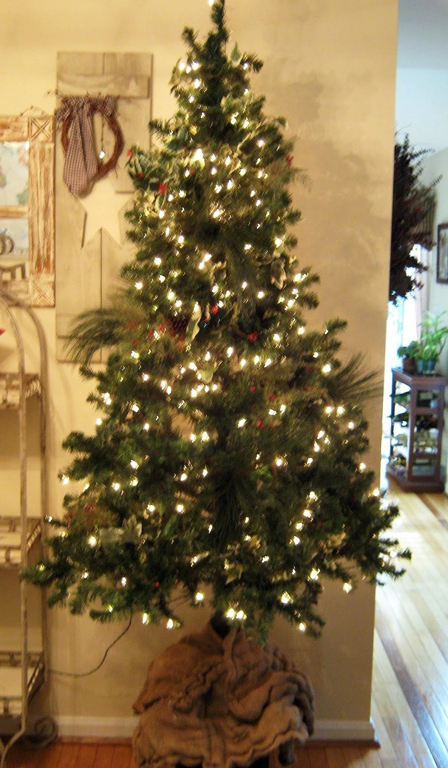 2 after looks like a full tree images via fake it frugal - Real Christmas Tree Decorated