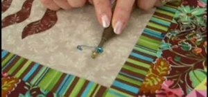 Do pin basting for quilting