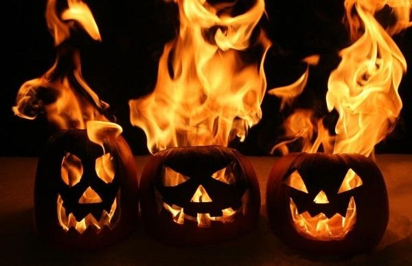 5 Extremely Flammable Jack-O'-Lanterns That'll Set Your Heart on Fire