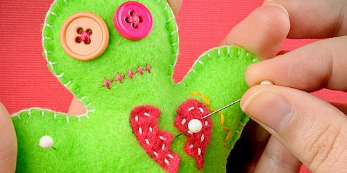 How to Make a Voodoo Pincushion Doll for Valentine's Day Angst