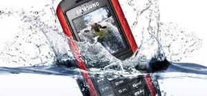 Dropped Your Phone in Water? The Quick Response Guide to Saving Wet Electronics