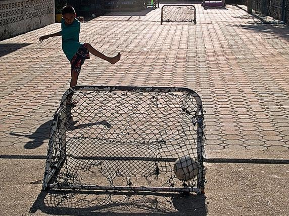 Inspiring DIY of the Day: Building a Floating Soccer Field