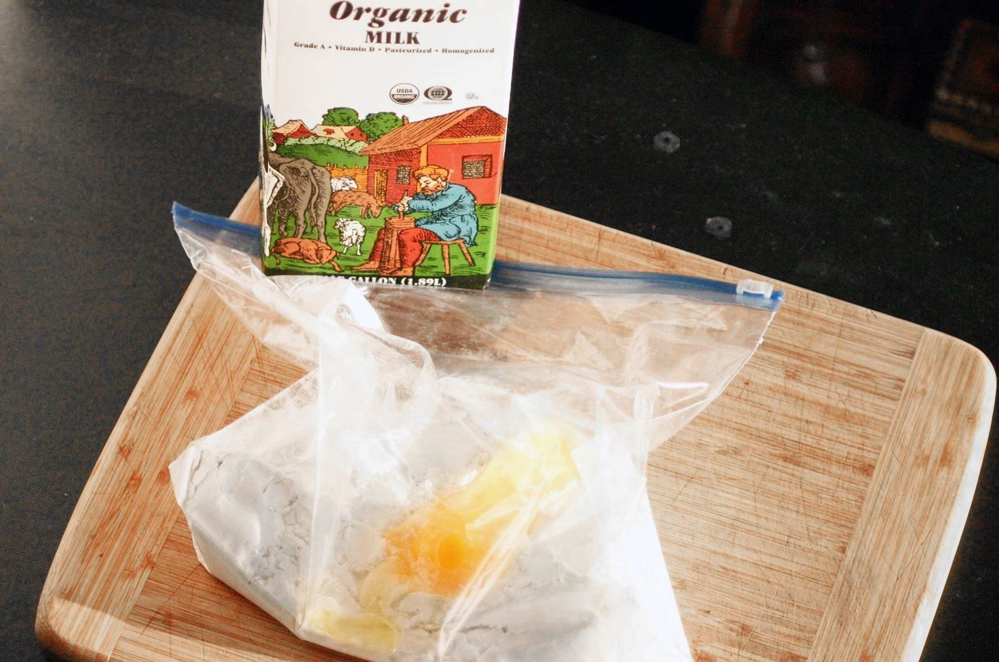 Make Mess-Free Pancakes with a Ziplock Bag Instead of a Bowl