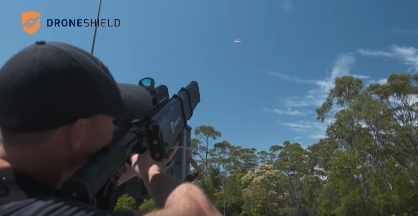 DroneGun Shoots UAVs Right Out of the Sky—Up to 1.2 Miles Away