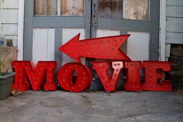How to Make Your Own Illuminated Vintage Movie Marquee