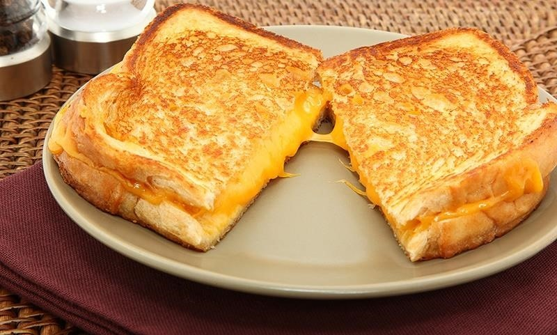 How to Make Lazy Grilled Cheese Sandwiches in Your Toaster Food
