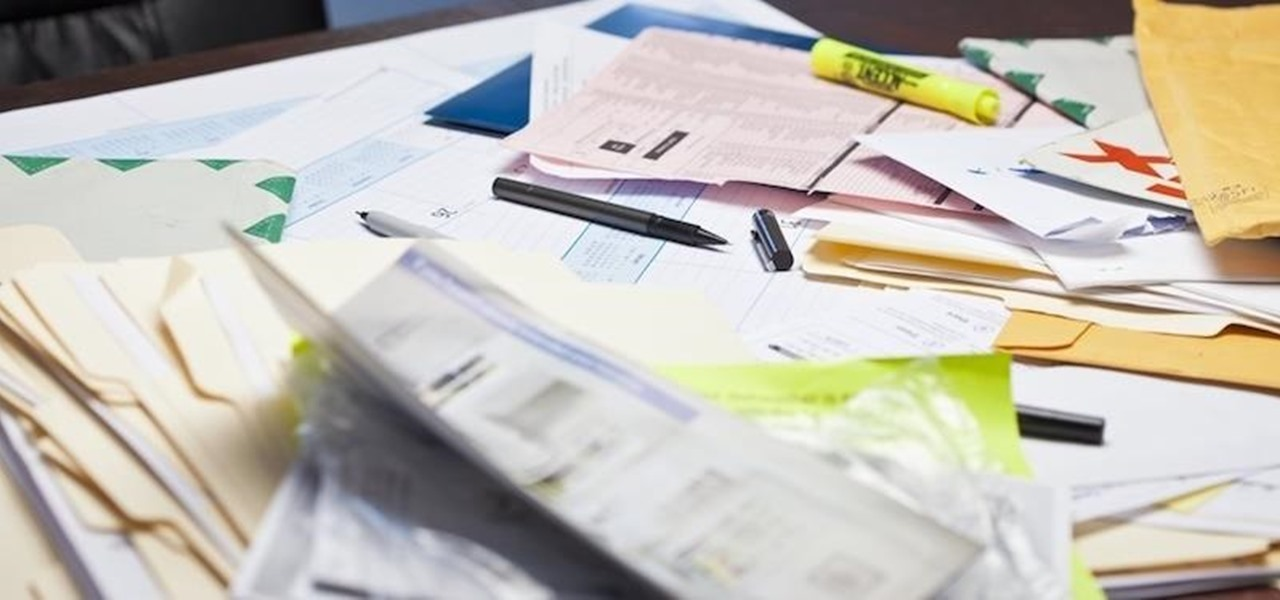 Attention All Neat Freaks—A Messy Desk Can Actually Make You More Productive at Work