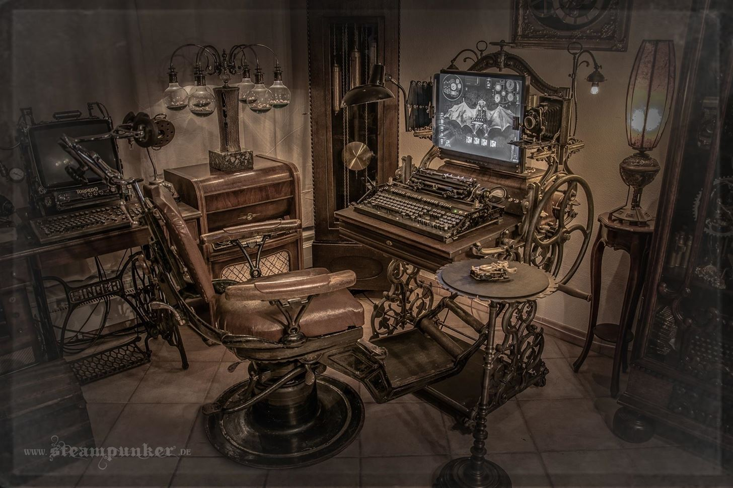 "Steampunk Computer - ""Windows 1900"""