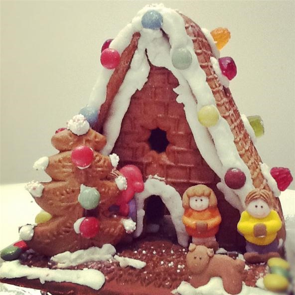 Holiday Challenge: Gingerbread House