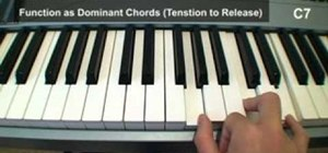 Construct triad chords and 7th chords on the piano