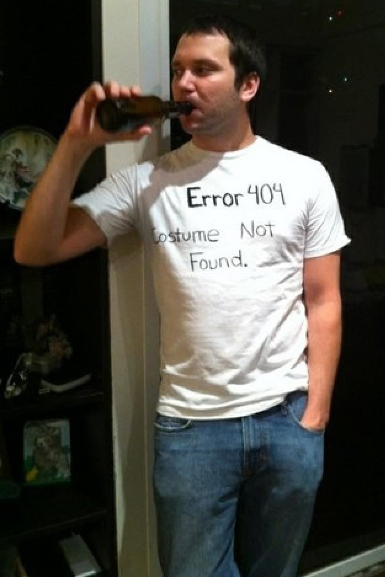 4Error 404 Costume Not Found  sc 1 st  Halloween Ideas - WonderHowTo & 9 Insanely Lazy Last-Minute Halloween Costume Ideas Using Only What ...
