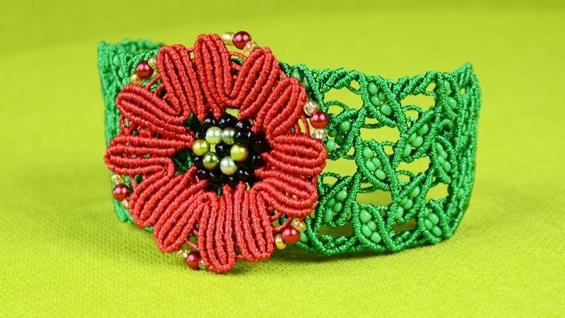 How to Make a Macrame Leaf Bracelet with Poppy