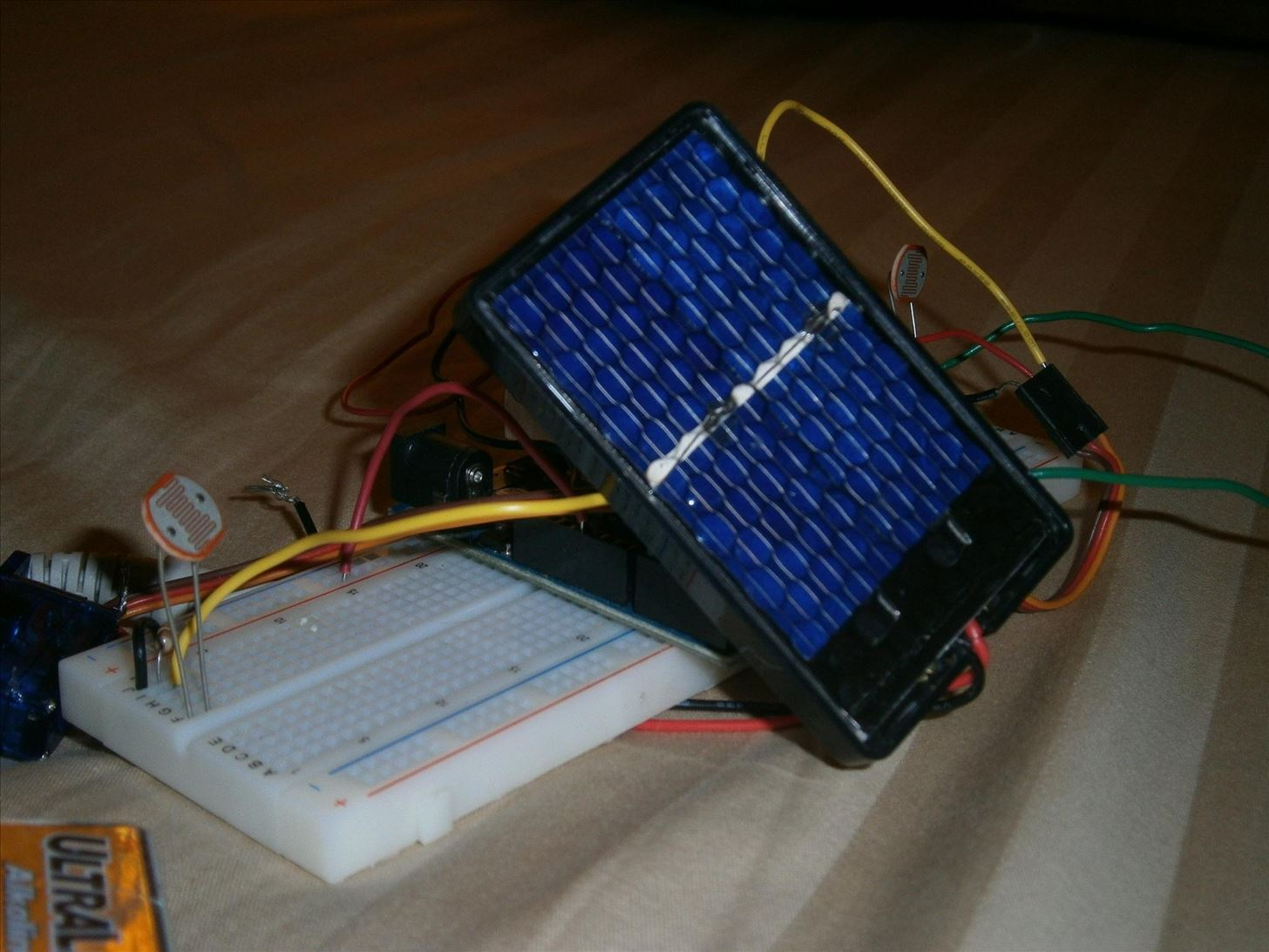 Make Your Solar-Powered Projects More Efficient with This DIY Sun Tracker