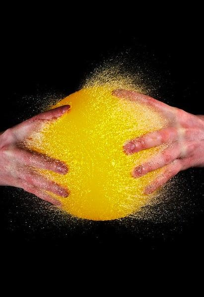 Brain-Defying Explosive Balloon Photography