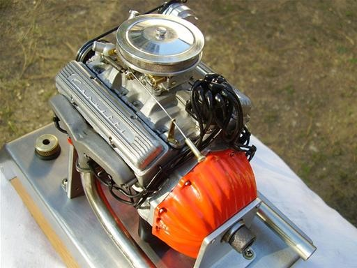 Hobbyist Builds World's Tiniest Engines