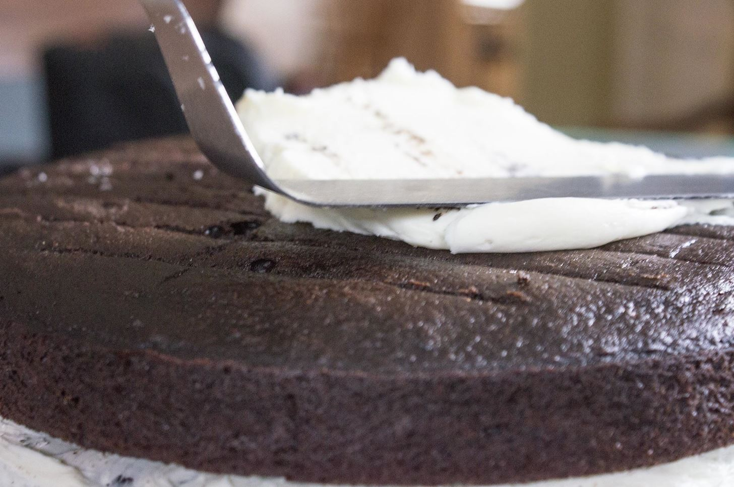 How to Frost Your Cake Like a Pro