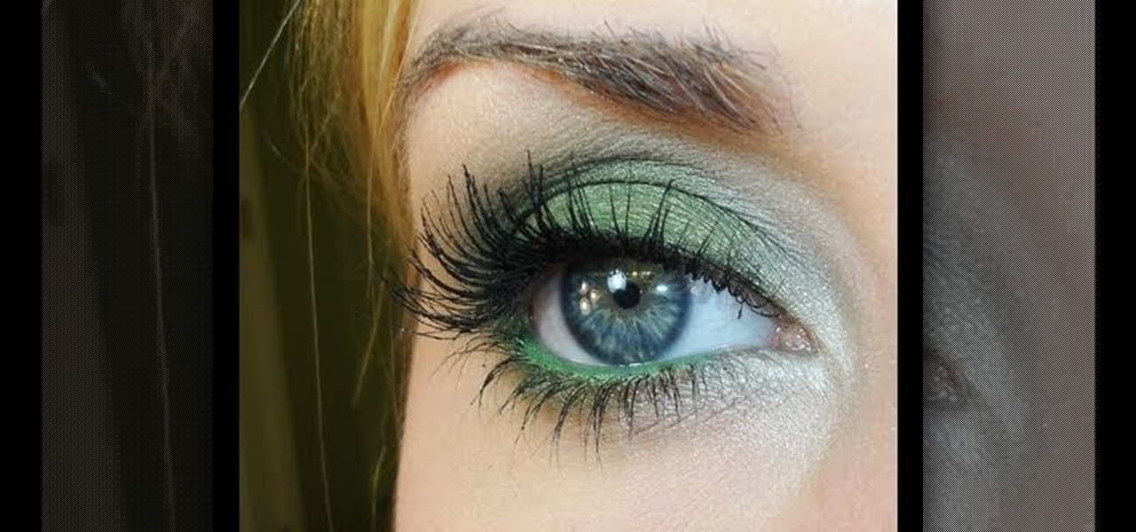 How to Create a dazzling emerald green eye look for