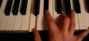 Play major and minor chords on the piano