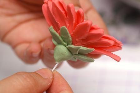 HowTo: Fantastic Flower Gum Paste Tutorials
