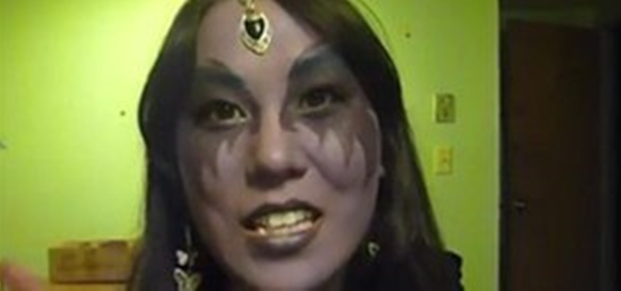 How to Apply Night Elf Makeup for a Halloween Costume - Applying Halloween Makeup