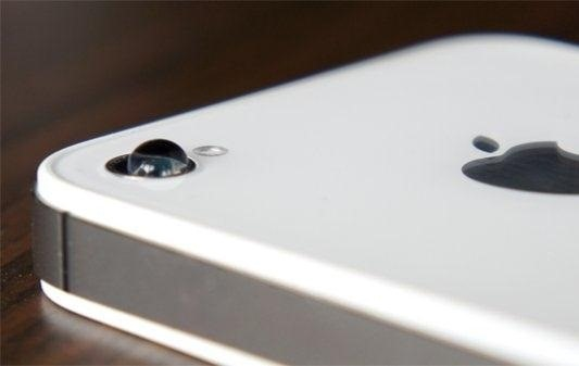 Use a Drop of Water to Take Extreme Closeups with Your iPhone (Or Make a DIY Macro Lens!)