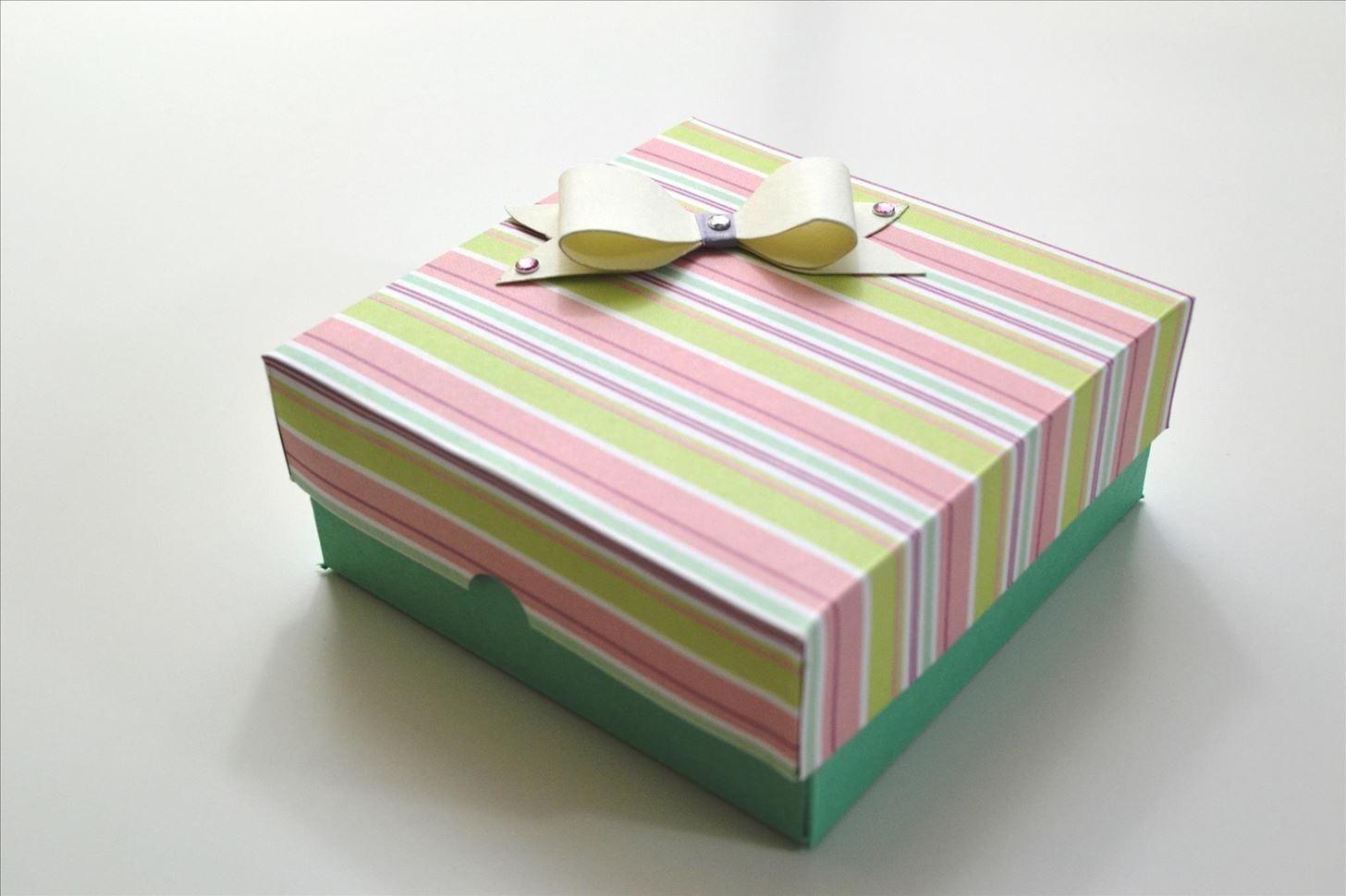 Как сделать самой подарочную коробку фото