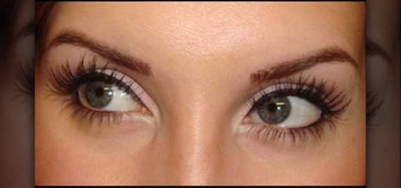 How to Apply liquid eyeliner smoothly and evenly « Makeup