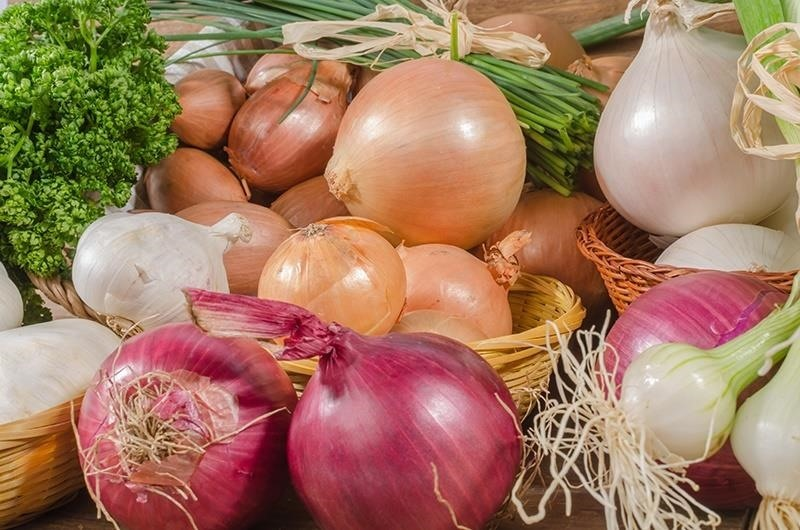 Good Veggies Gone Bad: When to Throw Out Those Onions, Mushrooms, & Greens in Your Fridge