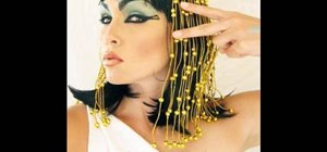 Apply the Cleopatra makeup look