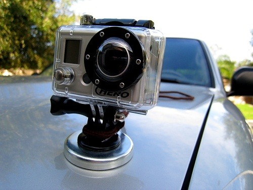 5 incredibly cheap and smooth diy camera mounts for inside or outside of your car photography. Black Bedroom Furniture Sets. Home Design Ideas