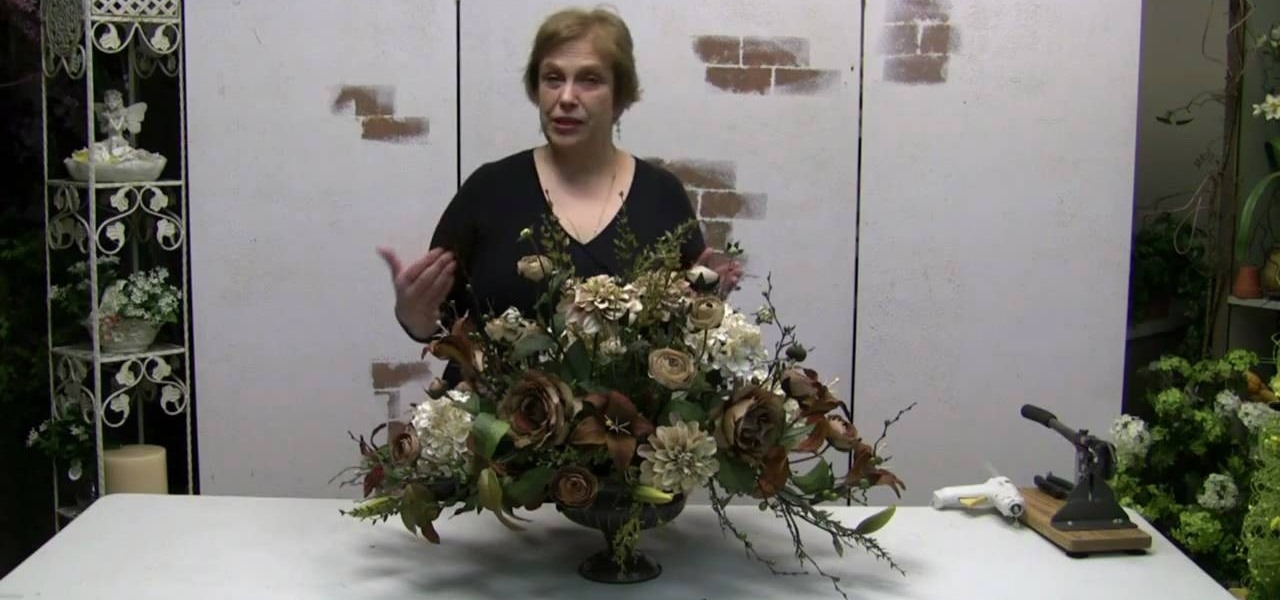 How to make a traditional floral centerpiece arrangement