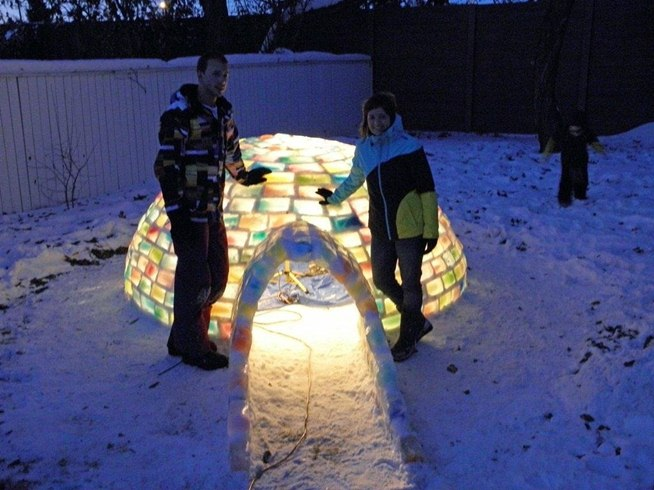 How To Build Your Own Rainbow Colored Igloo With Milk