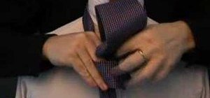 Tie a tie with the 'Pratt' (aka 'Shelby') knot