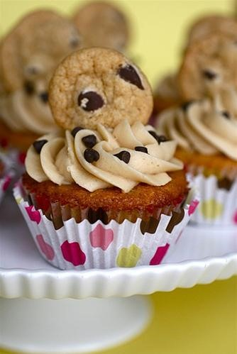 RECIPE: Chocolate Chip Cookie Dough Cupcakes