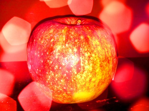 Bokeh Photography Challenge: The Golden Apple