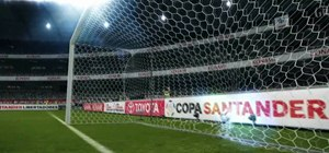 Take penalty shots in Pro Evolution Soccer 2011
