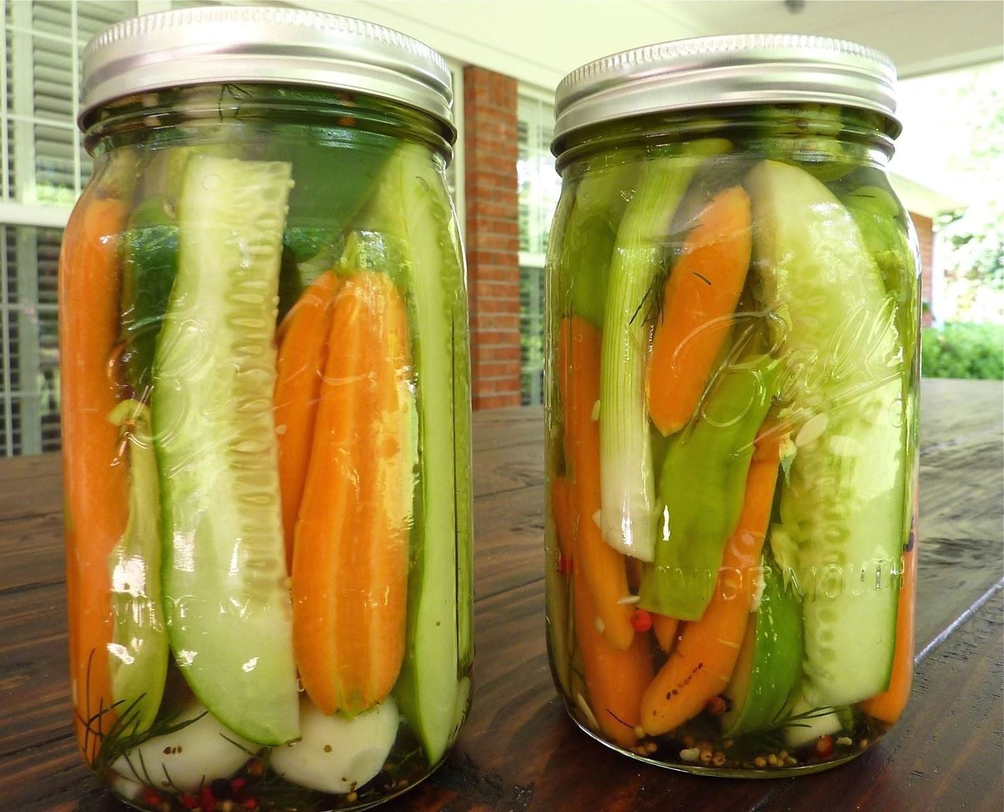 Save Your Limp Cucumbers Carrots With Old Pickle Juice Food Hacks Wonderhowto