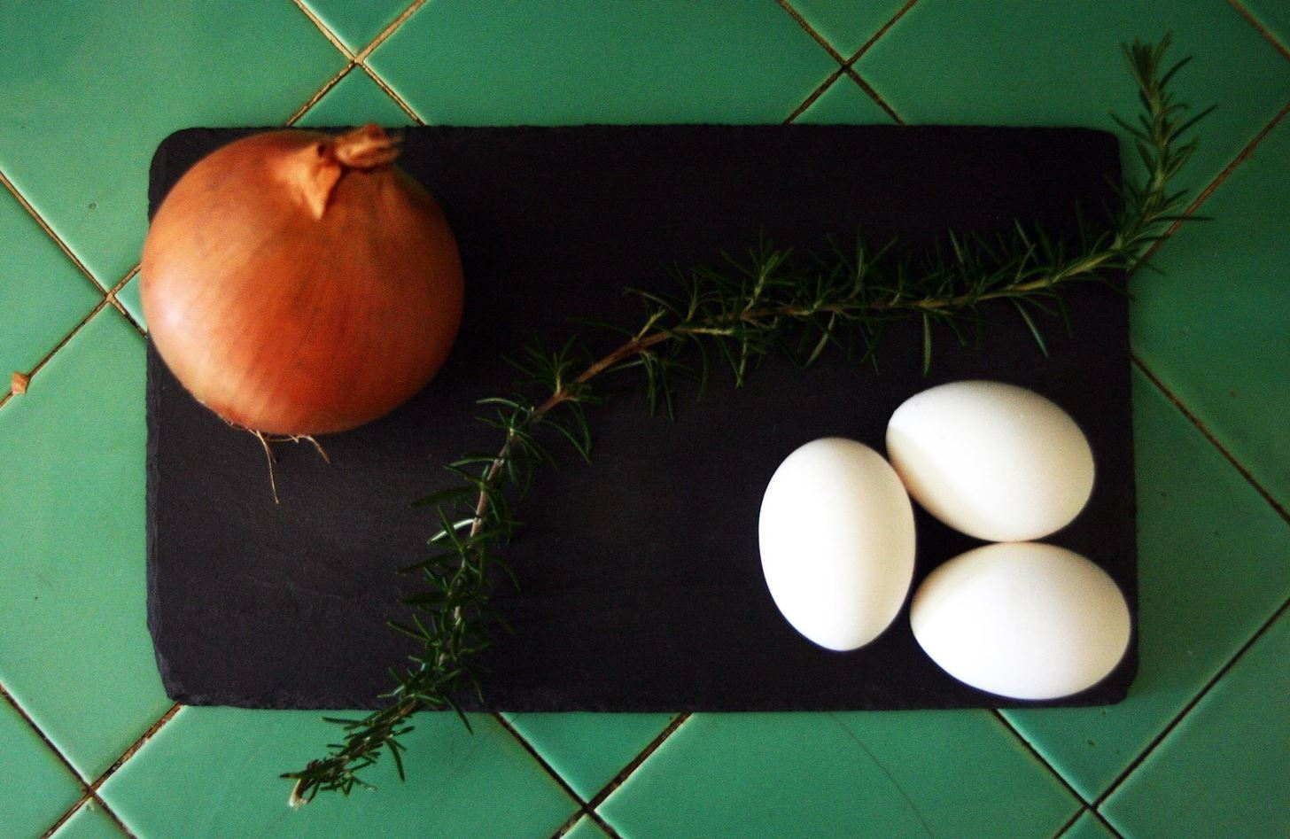 How to Color Easter Eggs with Veggies & Herbs Instead of Store-Bought Dyes