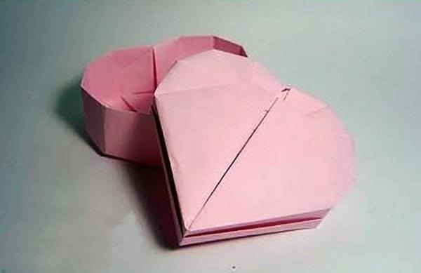 10 Easy, Last-Minute Origami Projects for Valentine's Day