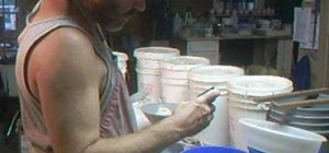 Make a Japanese Shino glaze with Simon Leach