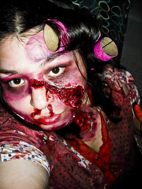 Horror Photography Challenge: Zombie Girl