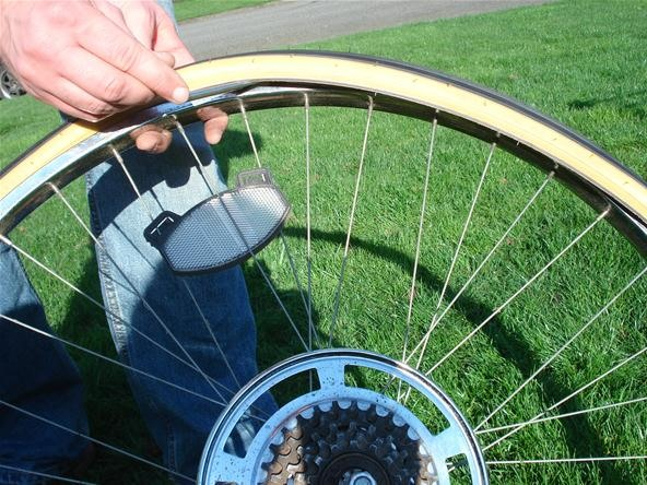 How to Change Your Bicycle's Tire, Inspect for Damage, and Detect Hidden Problems