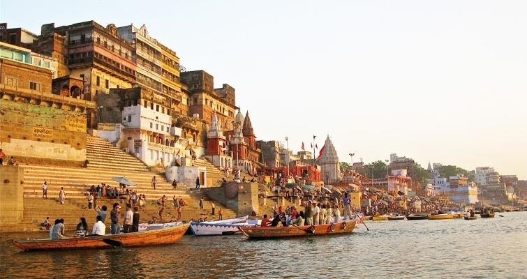Morning in Varanasi – Spiritual City in India
