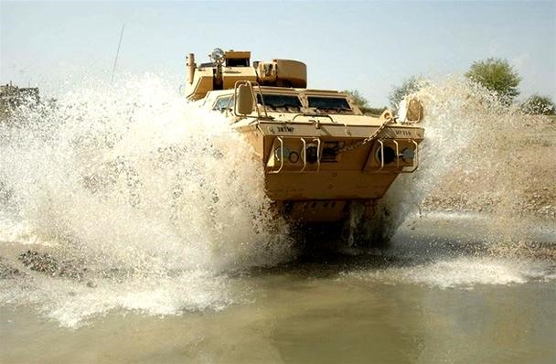U.S. Army Drops $461 Mil on Hummer-Tank Hybrid Wet Dream