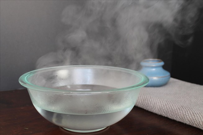 Why you should use boiling hot water for faster ice cubes.w654