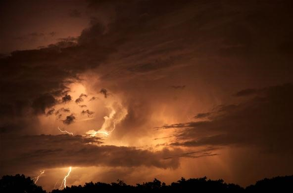 Cloud Photography Challenge: Rolling Clouds of Lightning