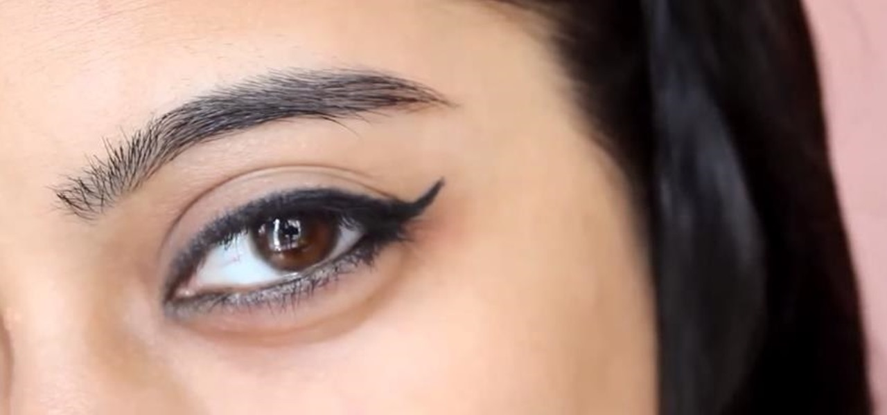 Get a Perfect Winged Eyeliner